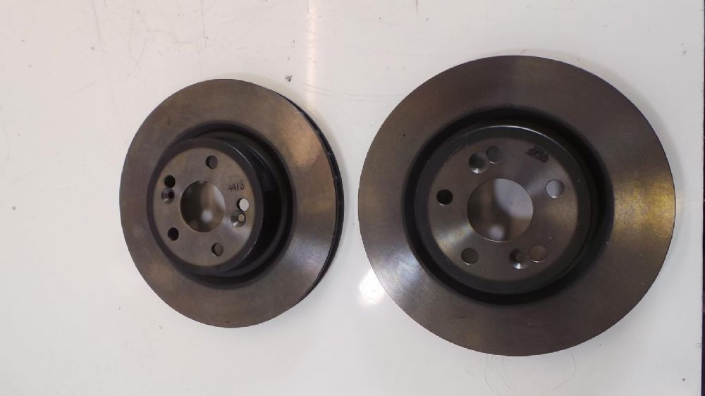Renault Megane Sport 225 230 R26 Set of Front Brake Discs (non drilled) brembo